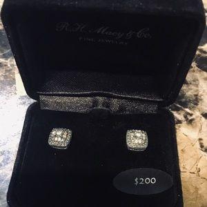 Diamond stud earrings New NWT Macy's fine jewelry